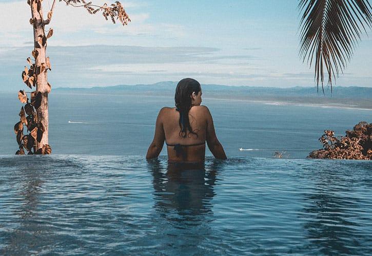Road Trip Adventure – Luxury Pool & Beach Resort