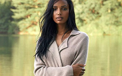 It's Here! Why We Love Cozy, Luxe Cashmere Season…
